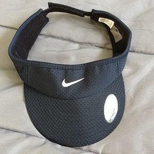 Nike Woman's Sports Visor New